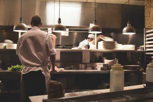 foto di cucina di ristorante come gestire un ristorante